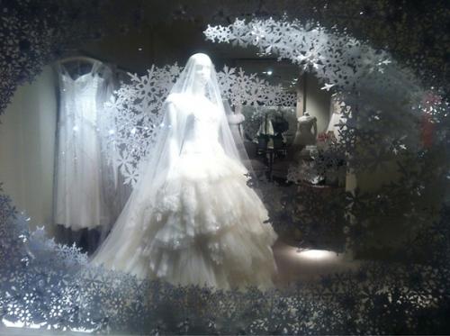 Christmas-Window-Display-3