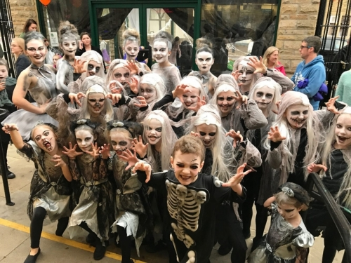 Helen-Greens-Dancers-at-Halloween-2016